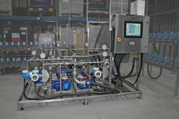 Continuous inline blending of disinfectant cleaning products